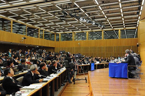 Reportage photo sur les débats pendant le déroulement de rencontres internationales